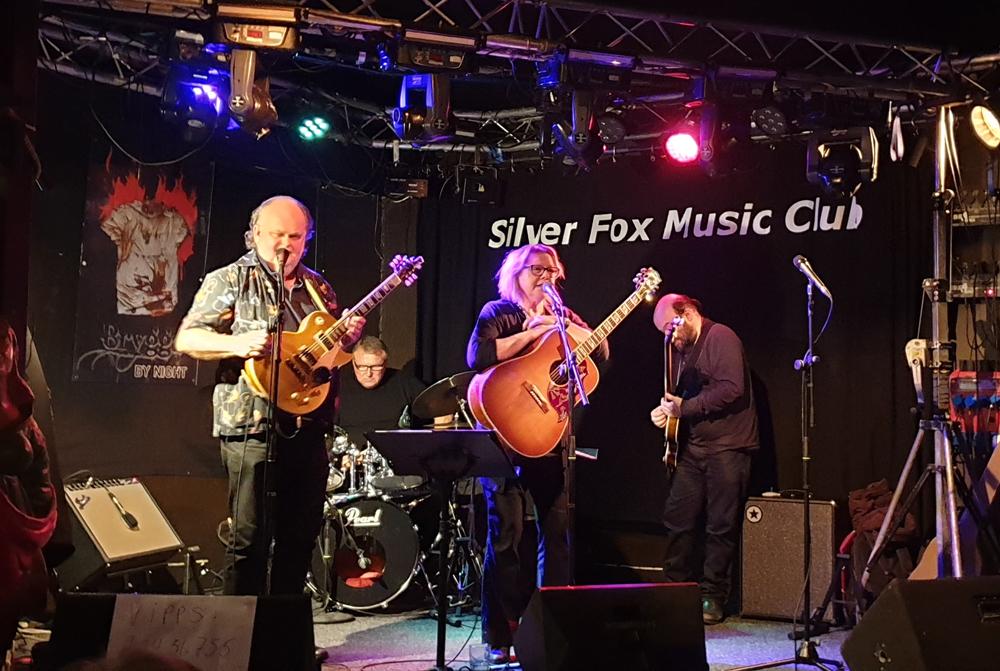 Blå Sko m/band på Silver Fox torsdag 24.10.2019.
